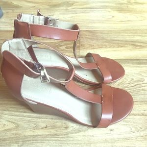 🍁Fall Sale🍁 Kenneth Cole Reaction Heeled Sandals